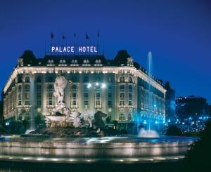 hotel palace de noche